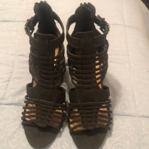 Black sandals with chunky heel